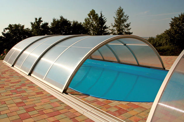 coperture telescopiche per piscine interrate
